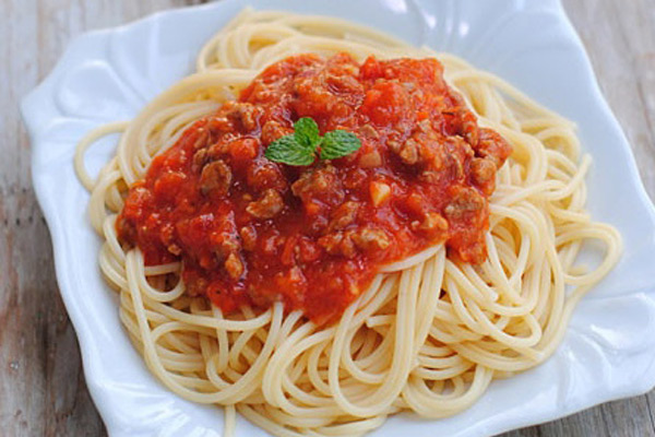 Tomato Paste And Beef Sauce Spaghetti